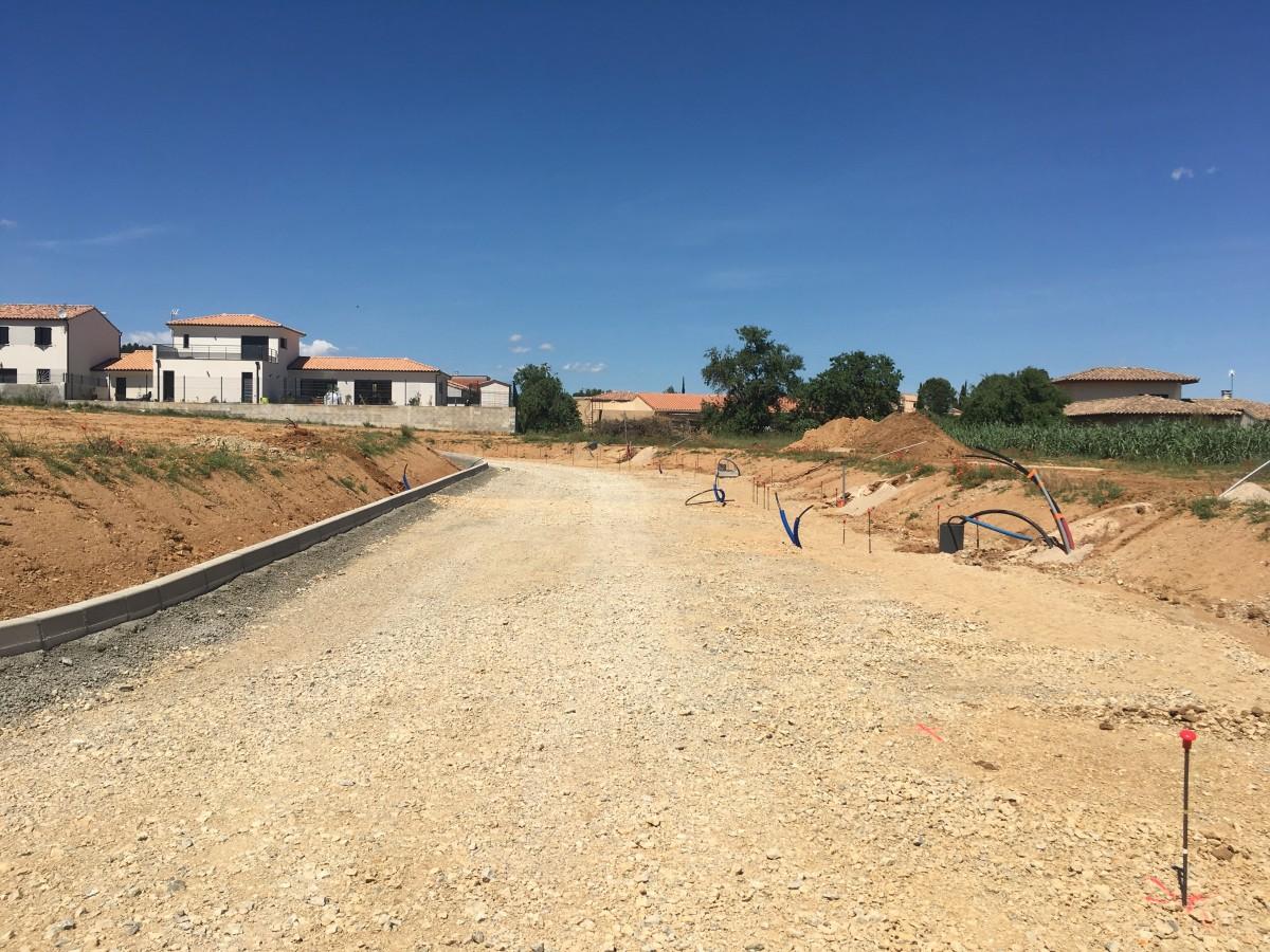 Aude couleurs departement narbonne orange terrain travaux en cours
